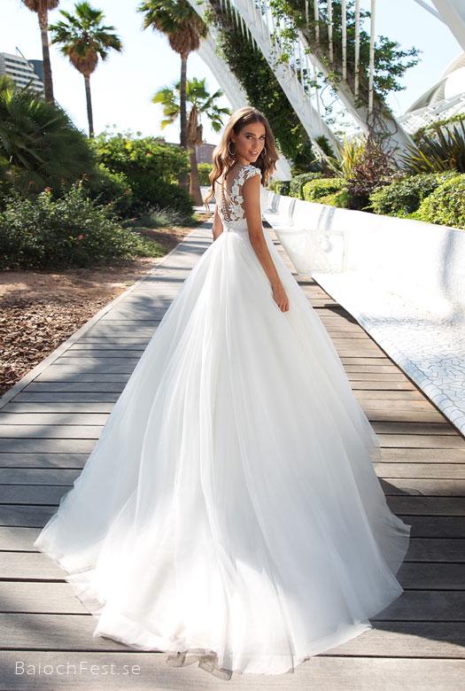 4a0910a254ae ... Nya Designer brudklänningar finns nu att beställa i webshopen  BalochFest.se. KLÄNNINGARNA FINNS ATT BESTÄLLA