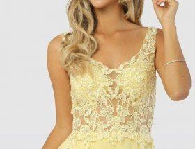 Vi har fyllt på med massor av nya balklänningar i webbshoppen, så skynda in och hitta din drömklänning.